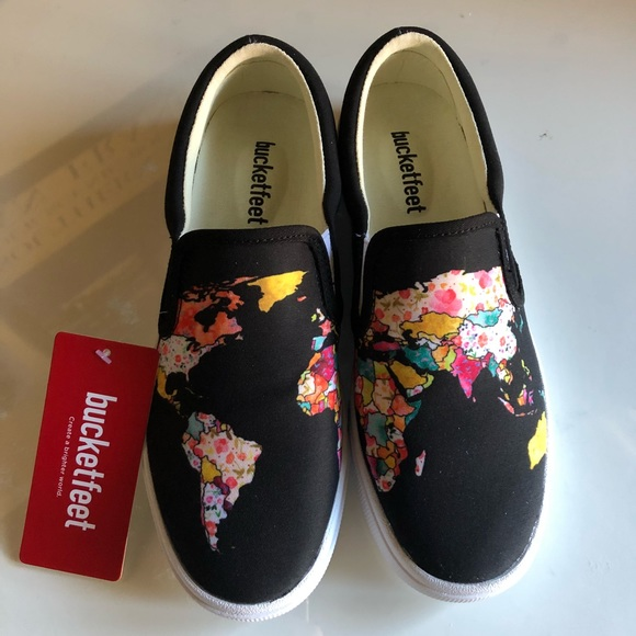 643895a2d27f Bucketfeet women s (6) NWT World map slip ons